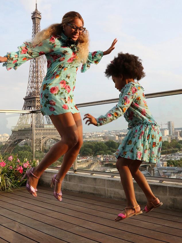rs_634x845-160726155012-634-blue-ivy-beyonce-matching-dresses-3-072616