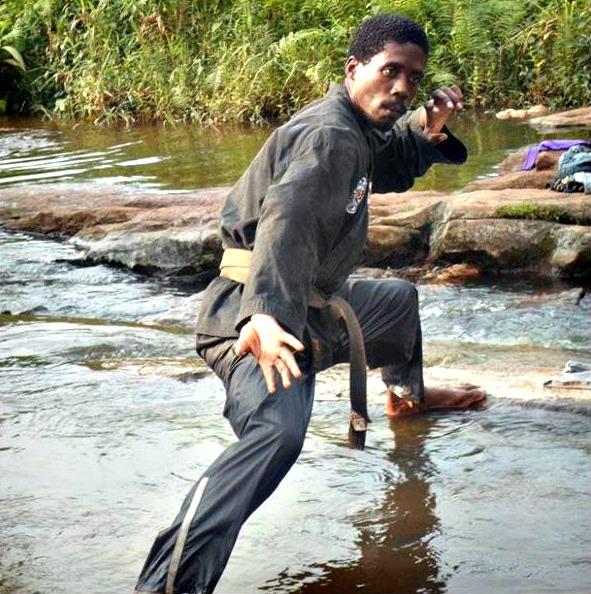 obama-karate-water